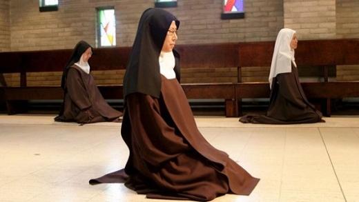 """""""Me tuve que escapar y si volvía me terminaba suicidando"""" relató una ex monja de otra congregación"""