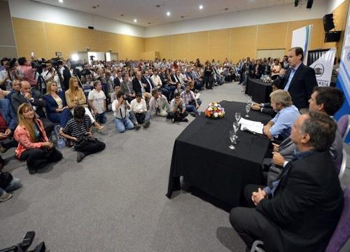 Se concretó en Concordia la entrega de aportes para más de 300 clubes entrerrianos