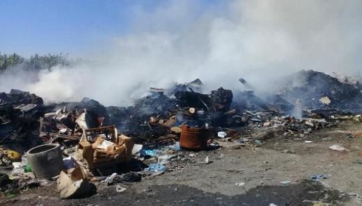 Incendio: el volcadero municipal sigue siendo un dolor de cabeza para el Ejecutivo