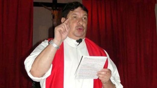 Acusado de abuso sexual, el sacerdote Escobar Gaviria irá a juicio en agosto