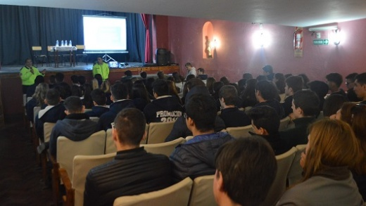 Se realizó una charla sobre Educación Vial a estudiantes secundarios